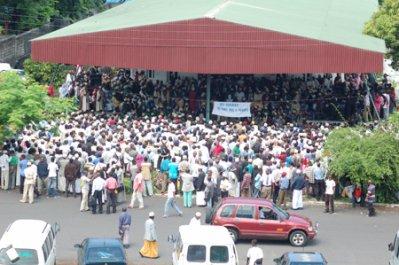 Elections présidentielles et des gouverneurs : J-52   La rue critique la « pléthore » de candidatures