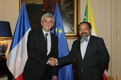 Hervé Morin, et Fahmi Saïd Ibrahim signent un accord rénové instituant un partenariat de défense entre la France et l'Union des Comores