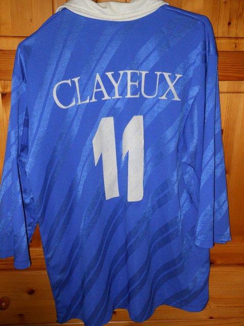 Yvon Delestre (joueur de la Berrichonne entre 1973 et 1975, puis entre 1978 et 1982) porté avec Montceau les Mines en 1984/1985