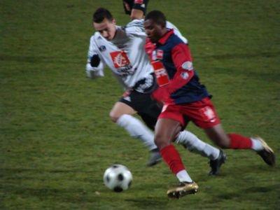 Felix Katongo, porté à Vannes, coupe de France 2008/2009, 32ème de finale, le 3 janvier 2009