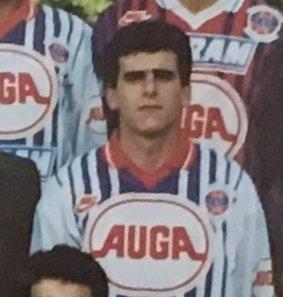 Jean-Luc Caetano, coupe de France 1993/1994, porté en 16ème de finale contre le Racing 92 (joueur resté sur le banc), le 12/02/1994