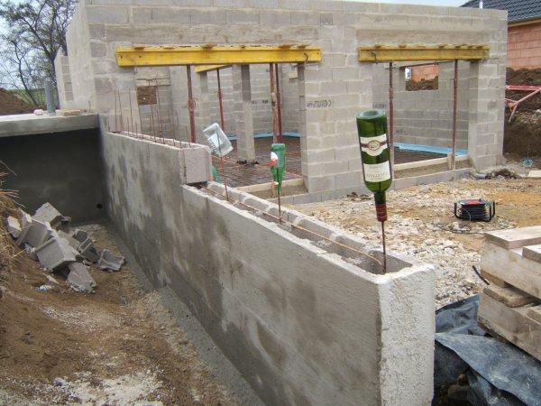 Terre Contre Mur Maison  Autoconstruction R Alisation D  Un Toit
