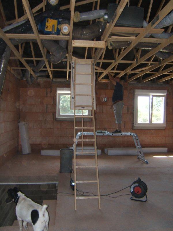 escalier escamotable et vmc double flux pavillon demi niveau brique rouge. Black Bedroom Furniture Sets. Home Design Ideas