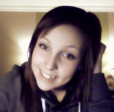 S'qui nous tue pas, nous rendra toujours un peu plus fort. VRAI ♥ Peu importe le genre d'épreuve dans laquelle on doit passé au travers, en fin de compte, que sa nous aie pris tout la misère du monde a oublier, ou simplement passer par dessus, à la fin, on finit tous par s'en remettre, toujours un peu plus fort qu'au début, avec notre plus beau sourire. ♥