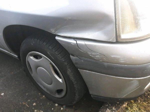 Ma voiture se matin. Suis maudite