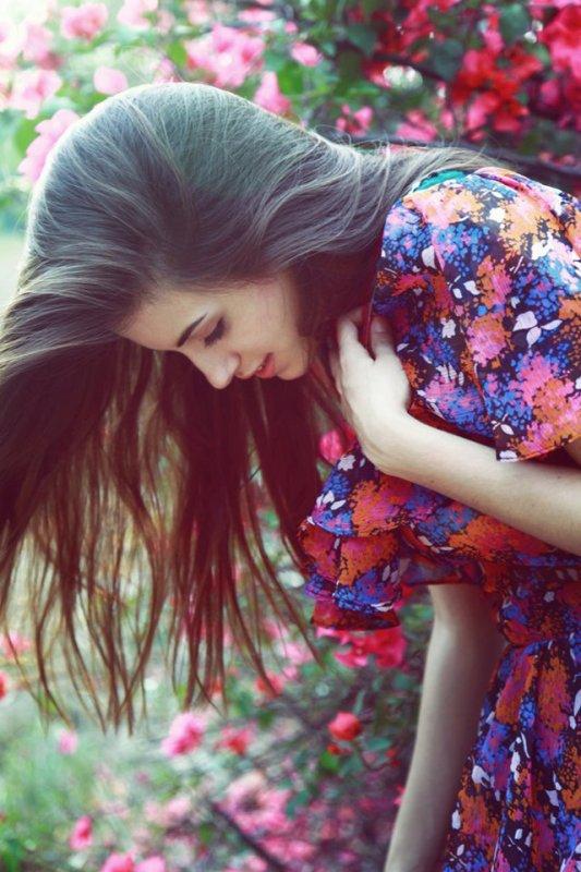 Le bonheur ne se définit pas par un grand calme, mais plutôt par la sensation d'être terriblement vivant. ♥