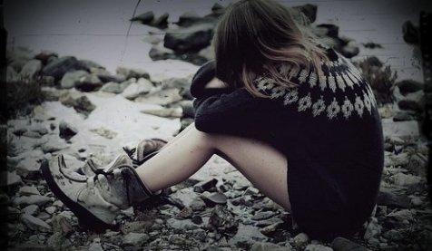 |. Ümitler yaşlanıp yok olup silinecek, Giden uzaklaştıkça kalan kıymetlenecek ( ♪ ) ♥