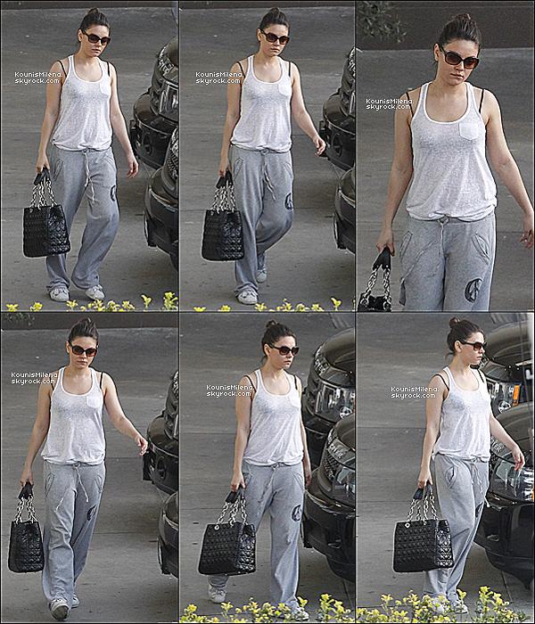 . 08/03/2012 - Retour a la routine pour notre jolie Mila qui a été vu quittant BodyMaxx gym a West Hollywood. .