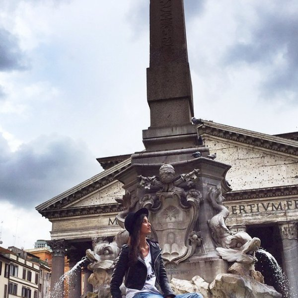 Malika Ménard - Rome