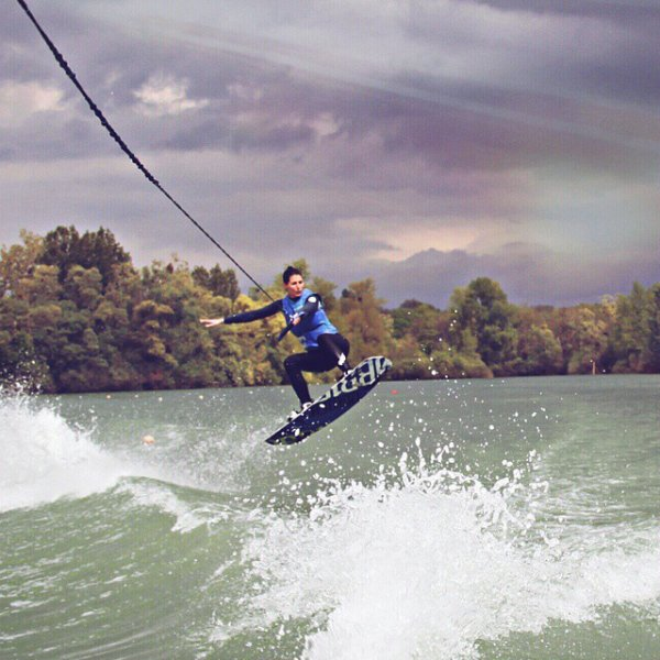 Laury Thilleman - Wake board