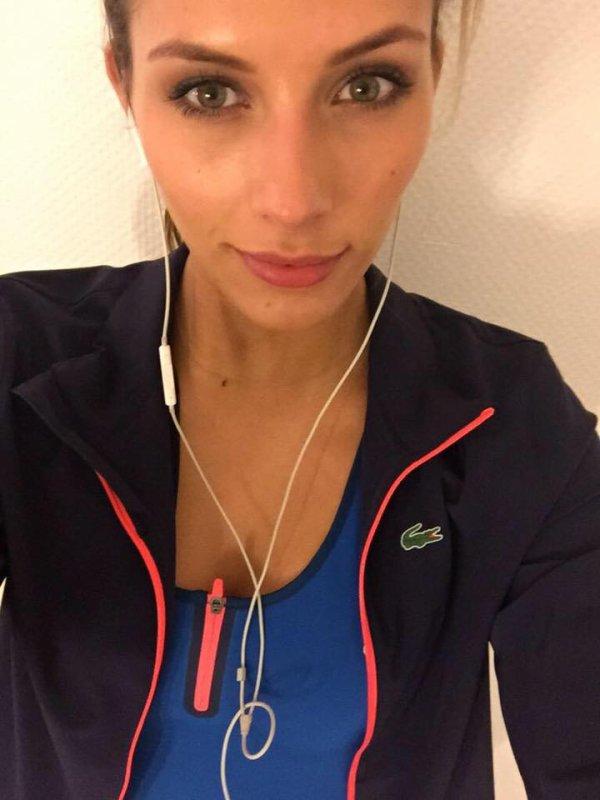 Camille Cerf - Selfie