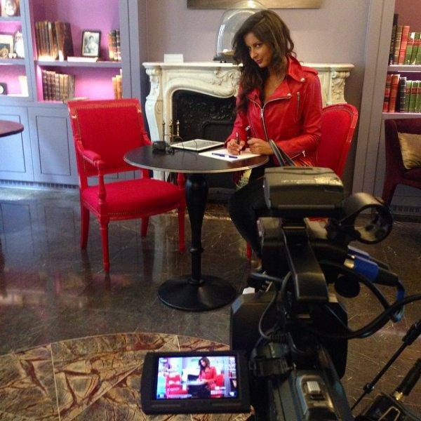 Malika Ménard - Tournage l'interview de Malika Ménard