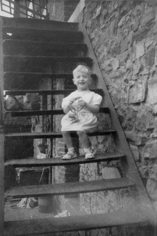 Moi, chez mes grands-parents à Solbre sur sambre...!