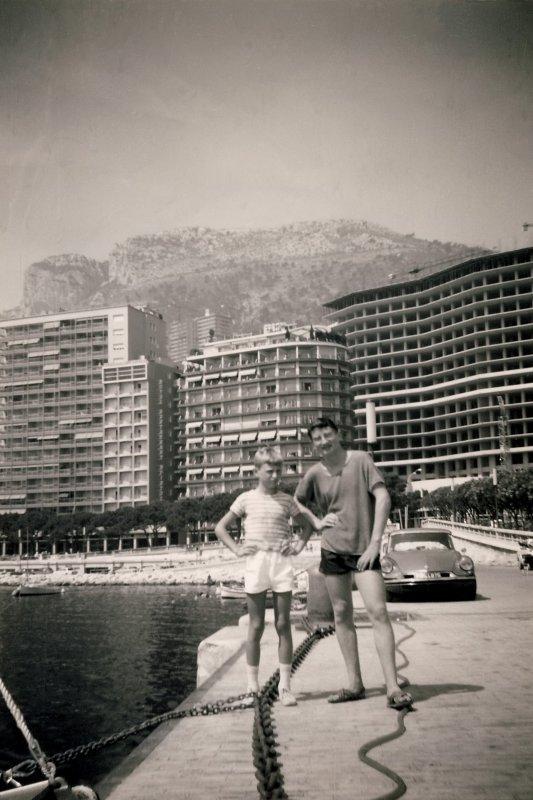 Moi avec mon frère José à Monaco en 1968...!
