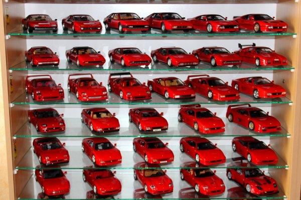 Le père Noel ne m'a pas oublié....et une 85e Ferrari dans ma collection...!