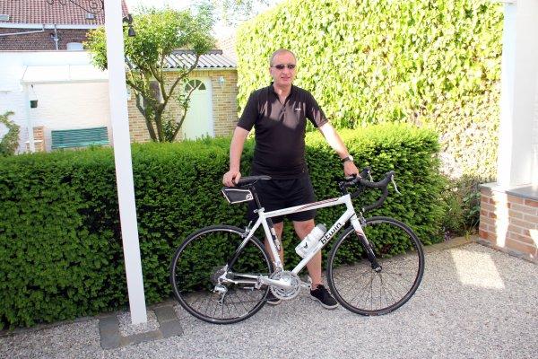 Sous ce beau soleil, pret pour une balade de +- 30 kms en vélo....et ensuite repos...!