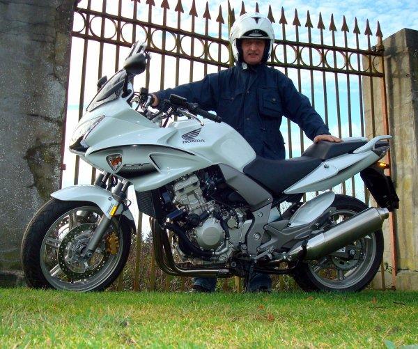 Enfin un peu de soleil pour m'évader sur les routes de campagne à moto...!