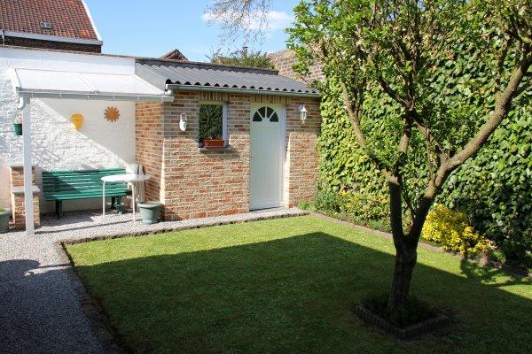 Petite balade le samedi...et travail le dimanche...repeint porte...fenêtre....table en blanc...et tondu ma pelouse...!