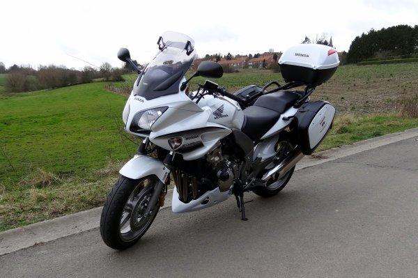 Ballade moto par temps gris mais sec...j'adore....!!!