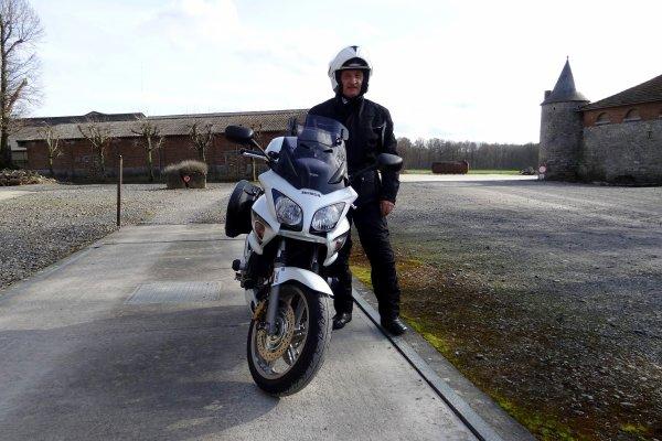 Sortie de dimanche apres midi avec un petit passage par le château de Leers-et-Fosteau..!
