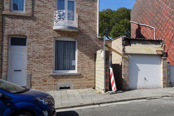 Travaux d'élargissement de mon garage,avec une toute nouvelle toiture isolée et nouvelle corniche ...!