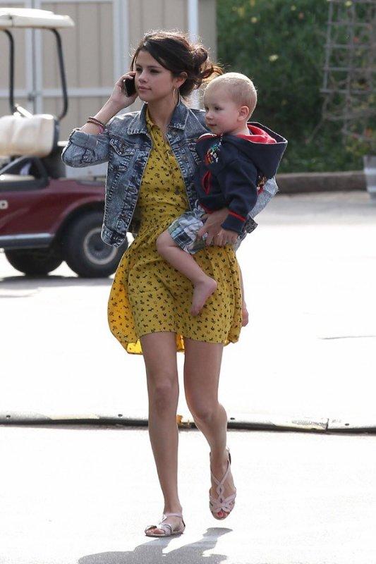 Photos : Selena Gomez : tendre sortie à la plage avec Justin Bieber et sa famille !