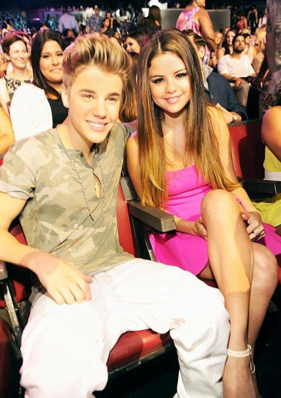 Selena Gomez : Elle fête son anniversaire sur le plateau des Teen Choice Awards 2012