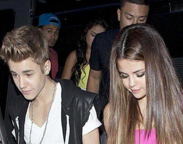 Selena Gomez fête son 20ème anniversaire avec ses proches