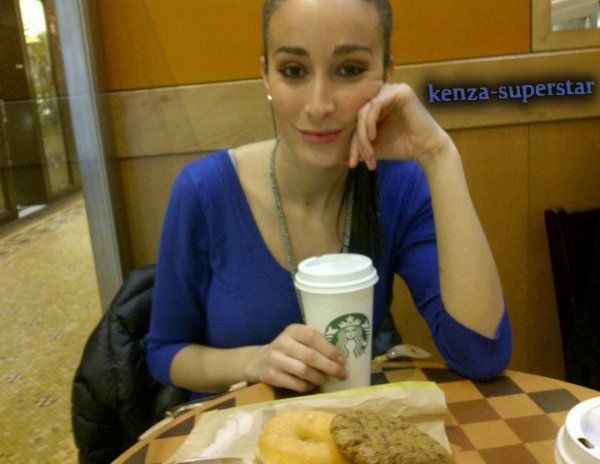 Kenza en direct du Starbuck coffee !!!