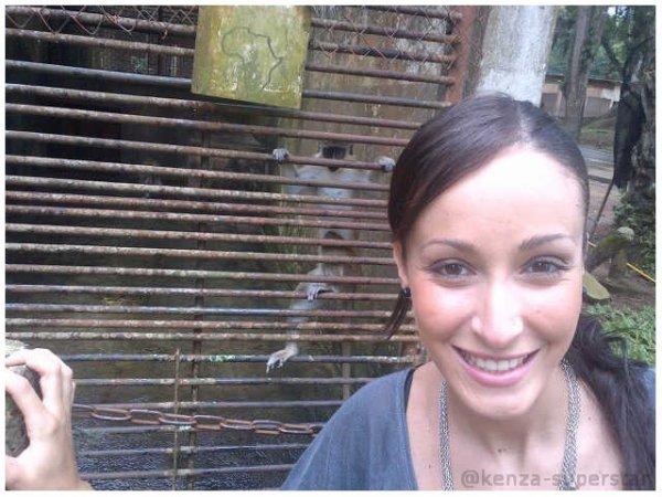 Kenza au Zoo à Abidjan