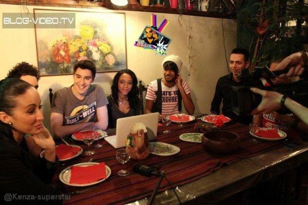 Kenza avec la team de la Webreal TV