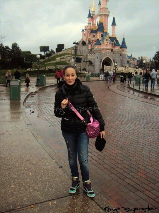 Kenza à Disney