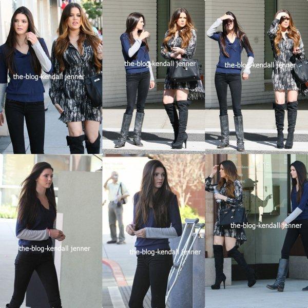 Kendall et Khloé ont visité un hôpital d'enfant malade a Berverly Hills. Kendall a également poster 2 nouvelles photos sur twitter !