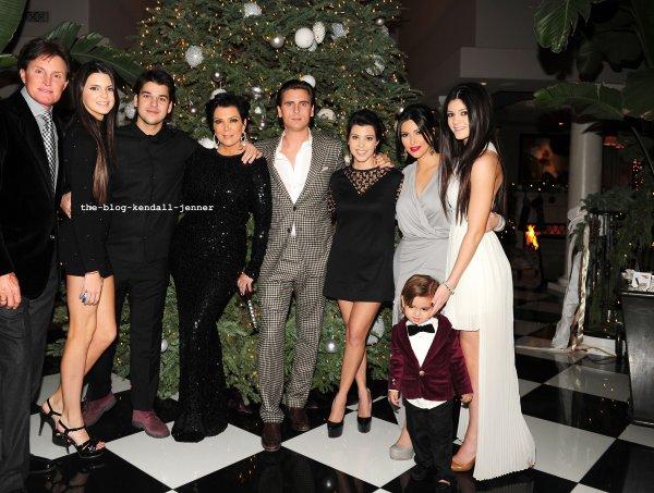 La fête de noël des Karda/Jenner !