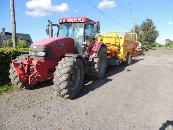 ensemble tracteur mc cormick mc 120 power 6+faucheusse auto-chargeuses bélair