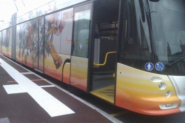 trolleybus articulé HESS 4