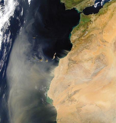 tempète de sable du maroc vers les iles canaries