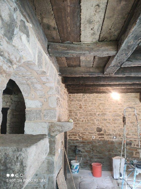 Construction d'une voûte à la place d'une cheminée