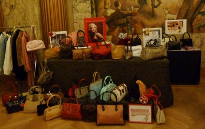 "NIAGARA ""Pin-Up"" Handbags"