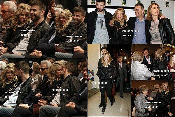 14 mars 2013 :  Shakira & Gérard à la présentation du livre de Joan Piqué à Barcelone La jolie colombienne et son beau footballeur étaient aux premiers rangs de la conférence donnée par l'écrivain.
