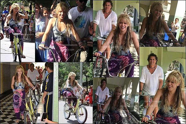 """20 mai 2016 : Shakira lors de la deuxième journée de tournage du clip """"La Bicicleta"""" avec Carlos Vives Elle est superbe ! J'aime bien sa tenue un peu """"baba cool"""" très coloré ! Sa coiffure est TOP, elle était trop mignonne comme ça :)"""