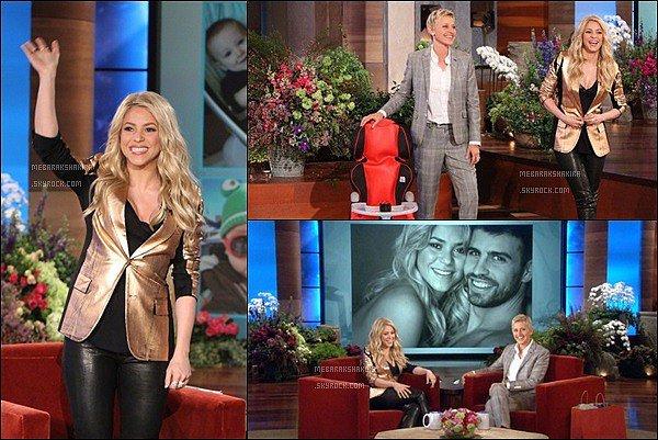 9 mai 2013 :La belle Shakira s'est rendue sur le plateau de l'émissionEllen DeGeneres Show S. étaitdans l'émission spéciale consacrée aux mamans. Elle était adorable ! J'aime beaucoup sa veste dorée, pas vous !?
