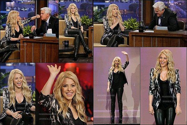 9 mai 2013 : Shakira a était interviewée dans The Tonight Show with Jay Leno. Où elle y parle de sa carrière, de son rôle de coache dans The Voice,de son filsMilan...et une révélation très intime de la belle.