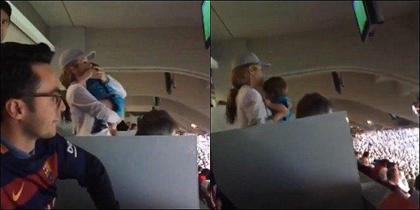 8 Novembre 2015 : Shakira et ses deux fils sont allés soutenir leur papa dans les gradins du Camp Nou Dommage qu'il n'y ai pas plus de photos de la belle et de meilleure qualité. En tout cas Shakira reste uneferventeadmiratrice de Piqué !