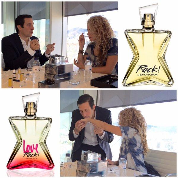"""27 Octobre 2015 : Shakira a posté une nouvelle photo lors de la conception d'un parfumsur Twitter. Légende du Tweet de la belle colombienne : """"C'est comme ça que nous créons mes parfums.. avec le maître de la parfumerie ! Shak"""""""