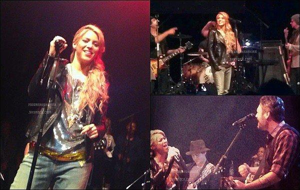 8 Mai 2013 : Shakira & les autres coach de The Voice arrivant au House Of Blues à Los Angeles aux USA S. a d'ailleurs donné un concert avec Usher, Blake Shelton & Adam Levine. En tout cas, Ils étaient super sur les photos du concert.