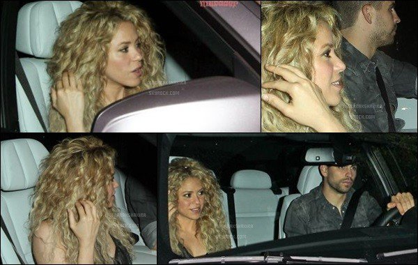 THE VOICE ●EPISODE 21 mai 2013● Photo promotionne de la magnifique S. pour The Voice Shakira était très belle toujours avec sa crrinière blonde ! J'aime bien sa jupe clouté. Elle est rayonnante avec son beau sourire :D
