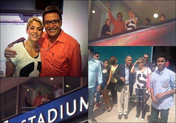 6 juin 2013 : Shakira, Gérard & Milan sortant tous les trois de leurs hôtel où ils séjournent à Miami Ils sont tout simplement adorables tous les trois ! Shakira est radieuse au naturel. Milan a déjà un petit ballon à la main, ça promet !