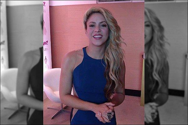 Décembre2016 - Shakira a été très active récemment sur les réseaux sociaux ! La belle colombienne a posté plusieurs vidéo d'elle.S. plus ravissante que jamais et très reconnaissante à diverses occasions.