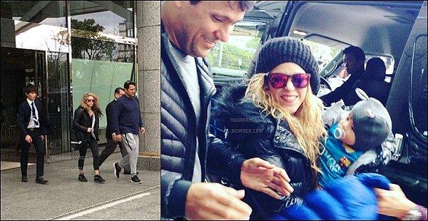 17 décembre 2015 : Shakira, Sasha & Tonino sortant de leur hôtel Royal Park à Yokohama au Japon. Sasha est trop mignon, j'adore son petit bonnet avec les oreilles de lapin, c'est tout simplement adorable !! Shakira toujours souriante♡